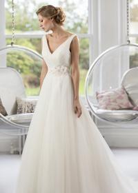 W141 Sample Sale Wedding Dress Lori G Derby