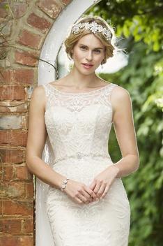 W272 by True Bride