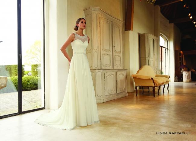 B15 set 008 by Linea Raffaelli wedding dress from Lori G Derby