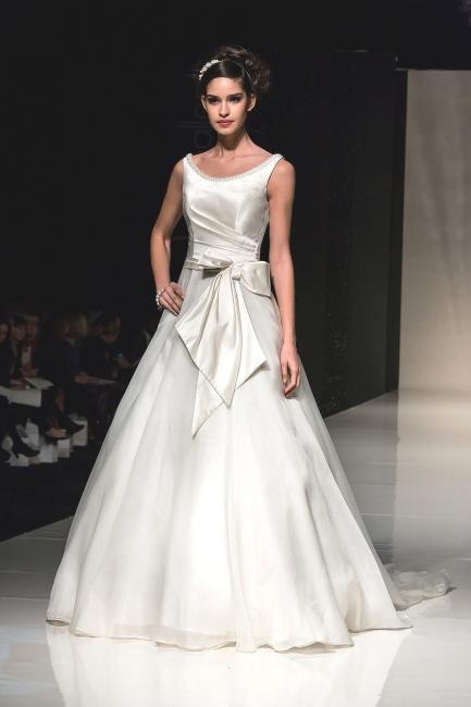 Ellie Sample Sale Wedding Dress Lori G Derby
