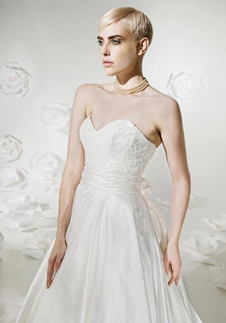 Isla Sample Sale Wedding Dress Lori G Derby