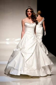 Barcelona Sample Sale Wedding Dress Lori G Derby