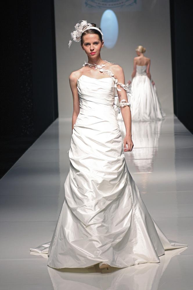 Florence Sample Sale Wedding Dress Lori G Derby