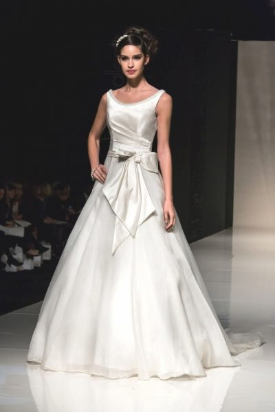 Ellie by Alan Hannah Wedding Dress from Lori G Derby