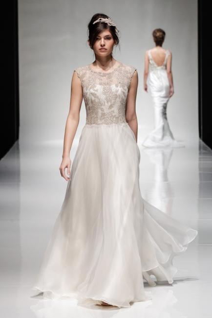 Venus by Alan Hannah from Lori G Derby wedding dresses