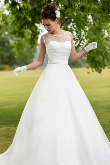 W126 by True Bride Wedding Dress Lori G Derby