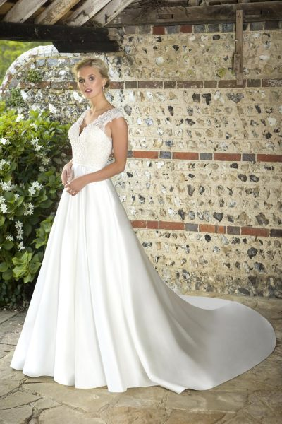 True Bride Lori G Derby wedding dress style Arden w350